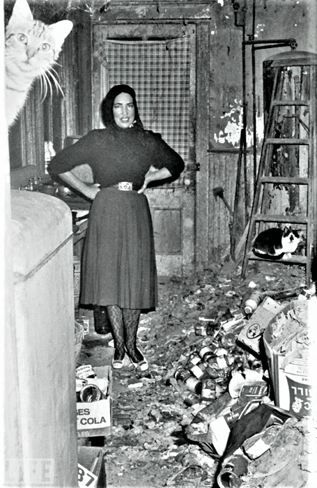 Did The Mold At Grey Gardens Affect Big Edie And Little Edie Beale